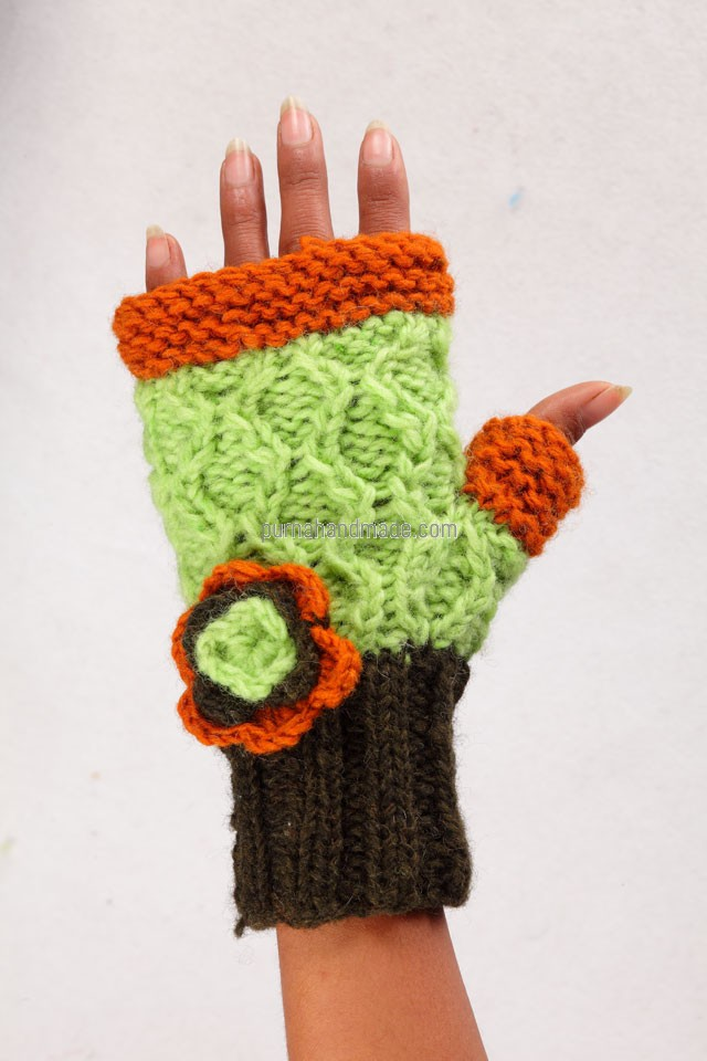 Purna Handmade Collection: Woolen Gloves Bat Design