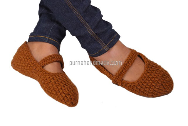 Purna Handmade Collection: woolen Shoes Payti design brown Color