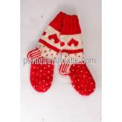 Purna Handmade Collection: Woolen Socks Heart Design